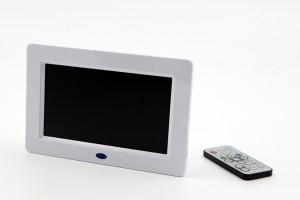 Ecran lcd-vidéo player et sa télécomande