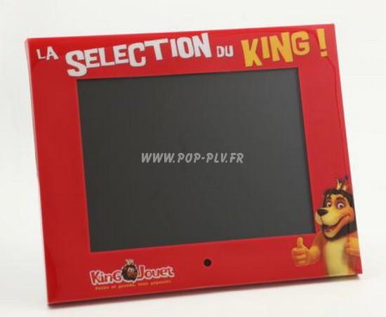 Ecran Lcd vidéo-player mutlimédia de 15 pouces - vue de face d'un modèle personnalisé.