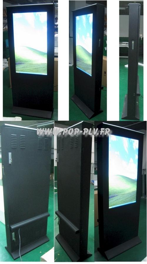 écran publicitaire - totems avec grandes dalles d'écrans LCD