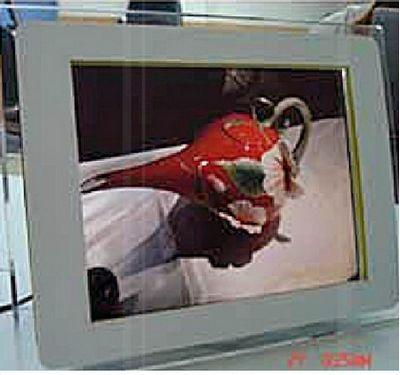 plv numérique - ecran lcd a bord en acrylique