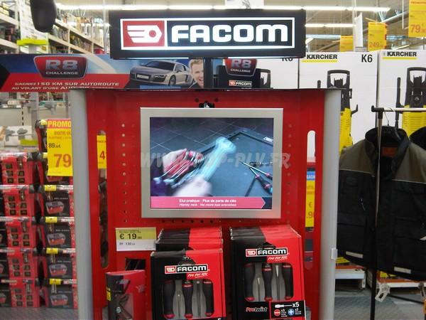 affichage plv - écran Lcd installé sur une tête de gondole