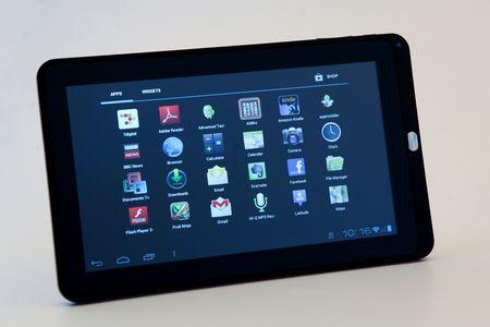 écran tactile vu de face avec les icônes de lancement des tâches