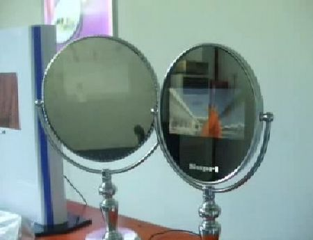 """moniteur tactile """"Touch & View"""" : miroirs tactiles avec encart vidéo"""